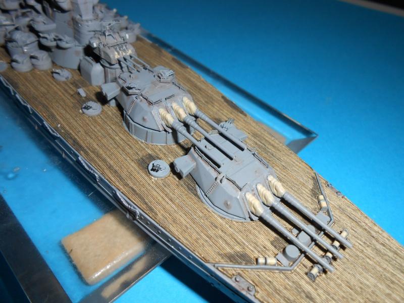 Yamato 1/700 fuji, PE,Pont en bois et babioles - Page 3 851396DSCN6125