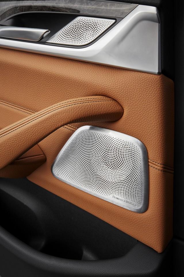 La nouvelle BMW Série 5 Berline. Plus légère, plus dynamique, plus sobre et entièrement interconnectée 852414P90237325highResthenewbmw5series