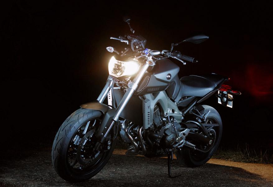 Photos de toutes les Yamaha MT-09 du forum ! :) 853630JKAYo