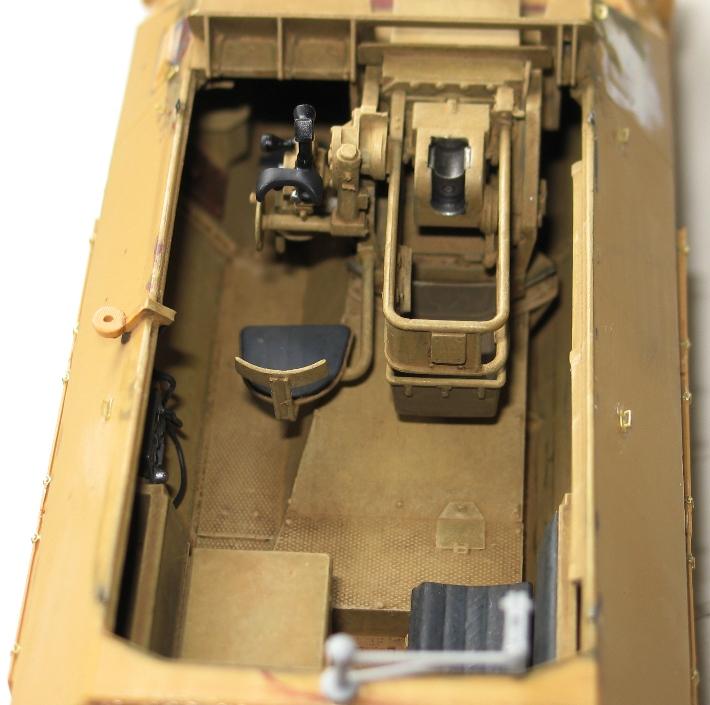 Sd.Kfz 251/9 Ausf.C - AFV CLUB - 1/35 854625modles126003