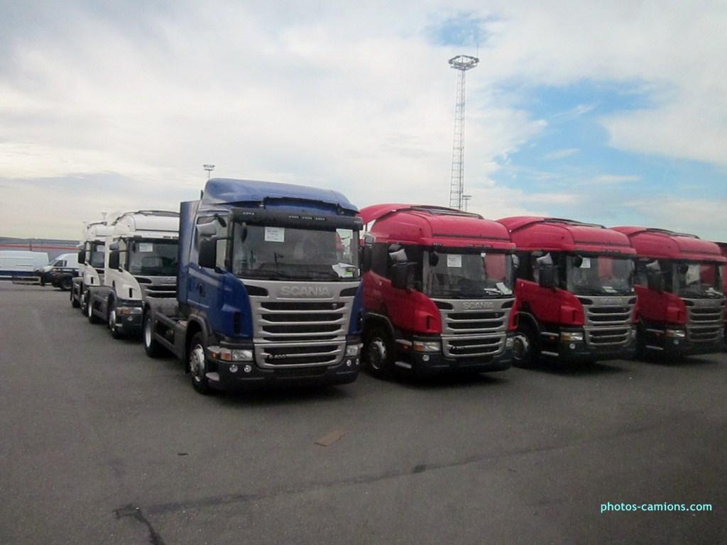 Scania série R G et P - Page 6 855726photoscamions10X201225Copier