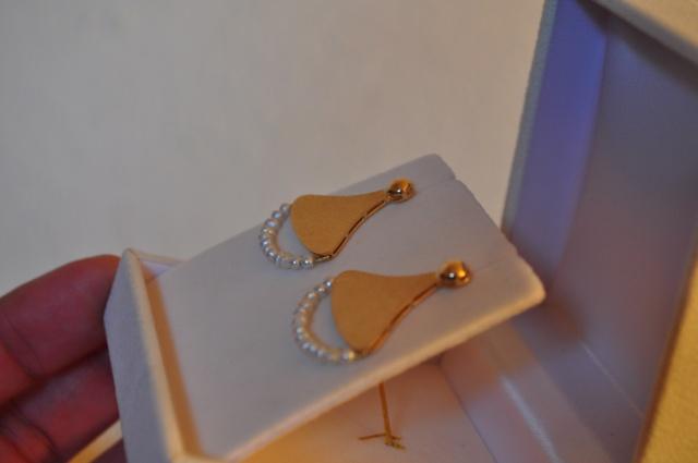 Boucles d'oreilles en or jaune et perles d'eau douce 858004DSC0241