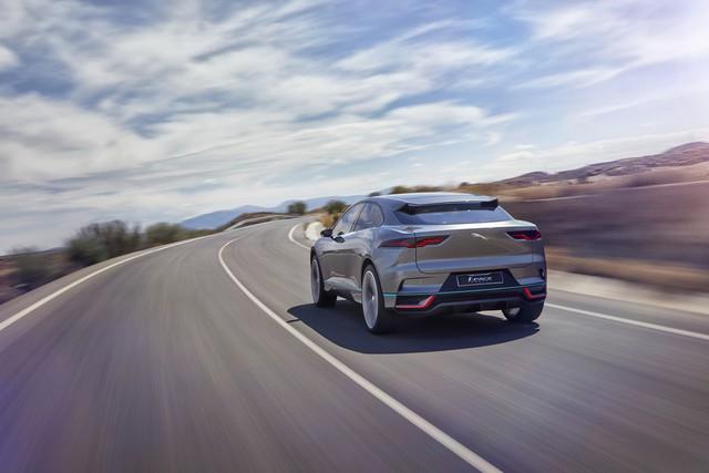 Jaguar Dévoile Le Concept I-PACE : Le SUV Électrique Performant 858214jagipacelocation14111612