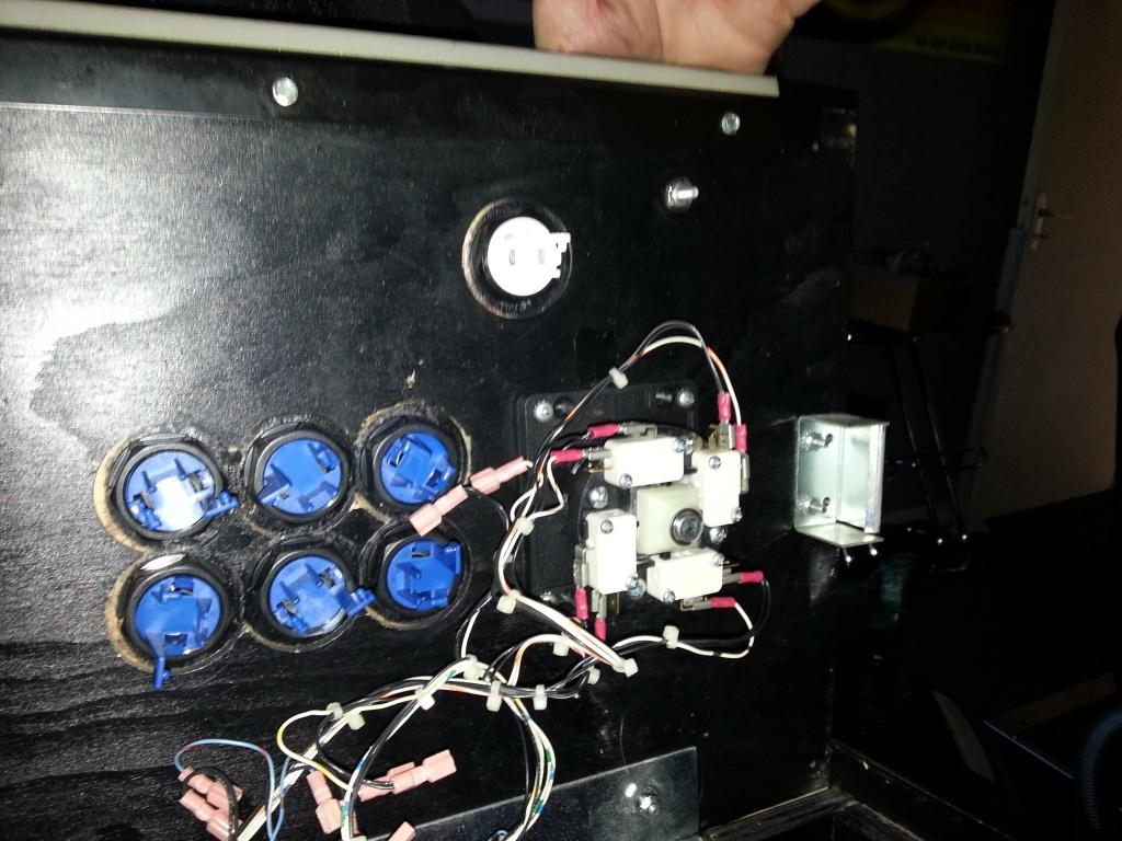 Fabrication d'une plaque de plexiglas pour panel de borne Killer Instinct 85842820130903170845