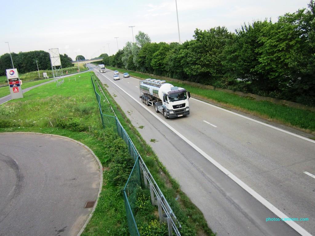 Photos avec plusieurs camions - Page 3 860210photoscamions4Juillet2012109Copier