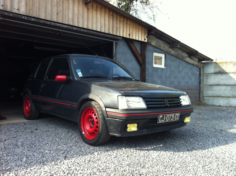 [philiopate] 205 GTI 1.6L Gris Graphite 1990 - Page 9 867487IMG0305