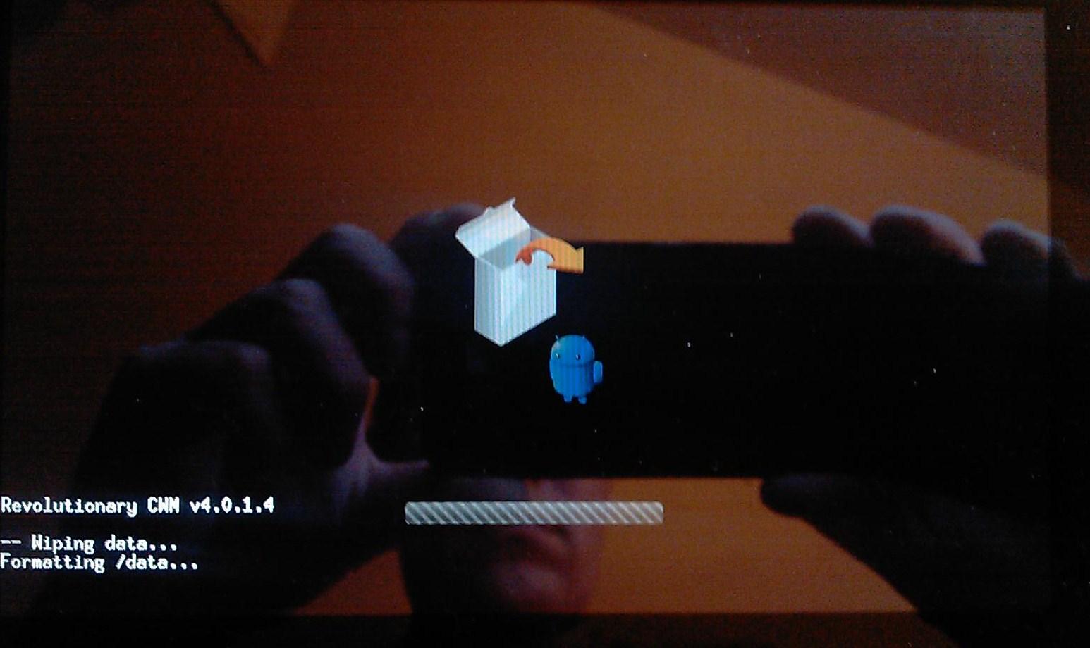[Tuto] Downgrade vers GB, passage en S.Off, installation Leedroid GB 2.2.0 (en images) 871738IMAG0009