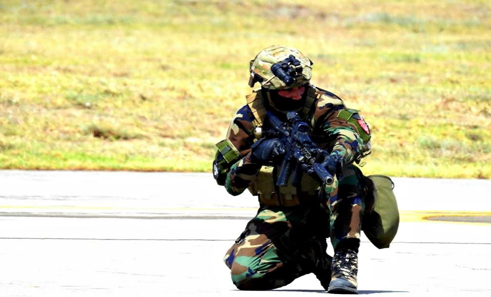 Armée Tunisienne / Tunisian Armed Forces / القوات المسلحة التونسية - Page 4 8729791341767911194952447751989059514830950017876n