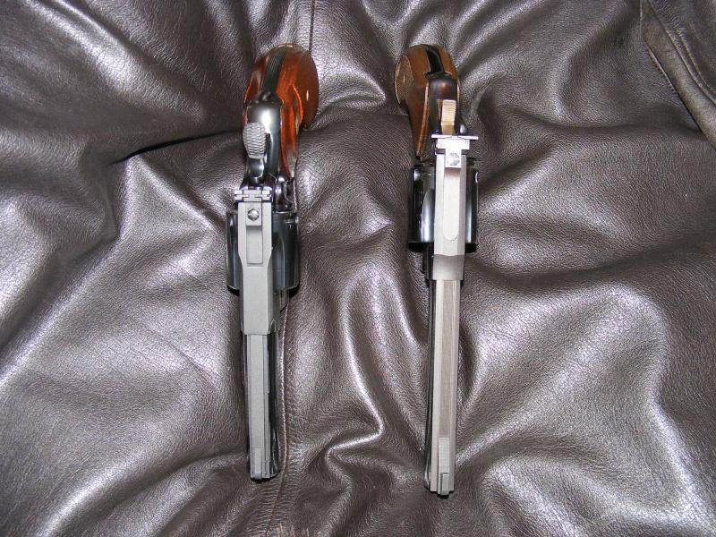 Le duel Colt Python VS Manurhin MR73 8740604506