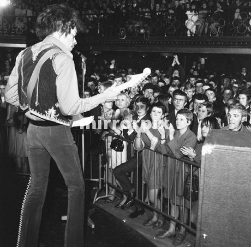 Bristol (Locarno Ballroom) : 9 février 1967 87410219670209Bristol