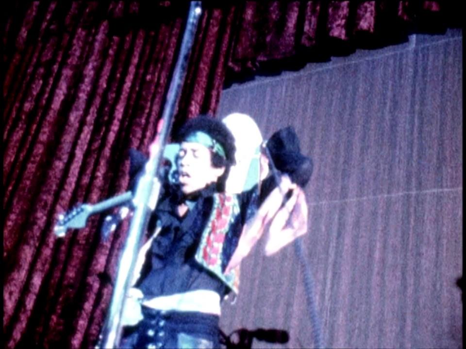 Berkeley (Berkeley Community Theatre) : 30 mai 1970 [Premier concert] 8741491ershown