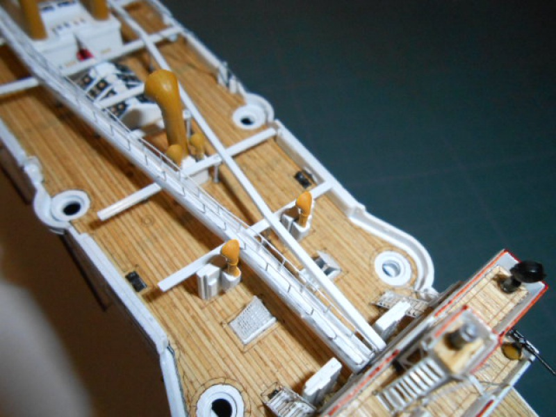 """Croiseur  Russe """"VARYAG"""" Zvezda 1/350 pont en bois / PE  - Page 2 878297mer011"""