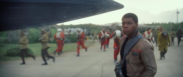 Star Wars : Le Réveil de la Force [Lucasfilm - 2015] - Page 4 879248w38