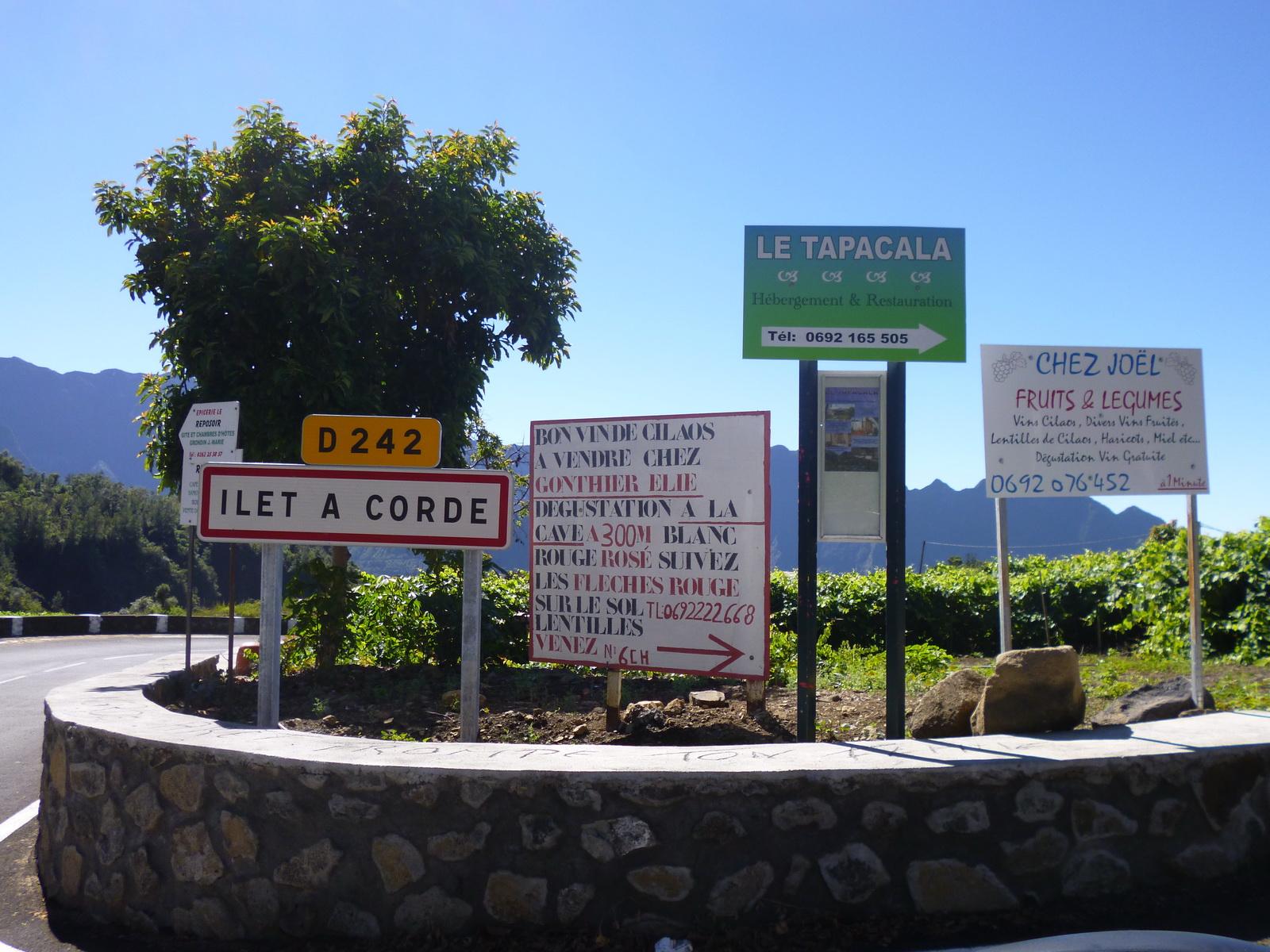 LA RÉUNION : la route de Cilaos, dite route aux 400 virages 880663iletacorde