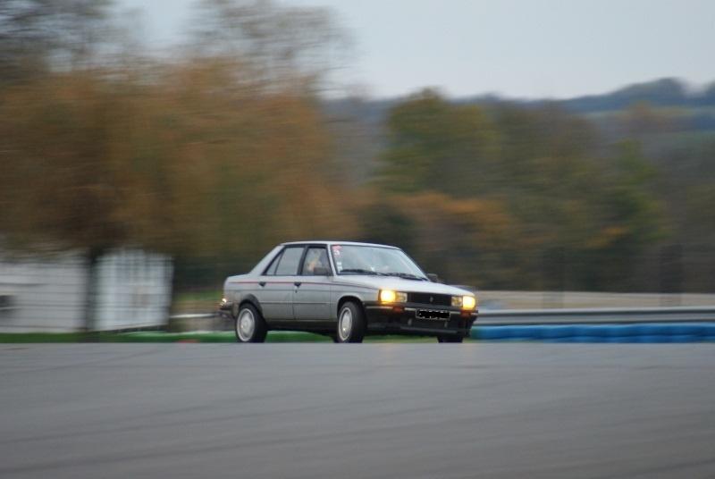 Mimich et sa R9 Turbo (du moins ce qu'il en reste) 881029dsc03410