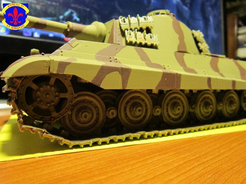Sd.Kfz.182 King Tiger à tourelle Henschel de Dragon au 1/35e par pascal 94 882471IMG1175L