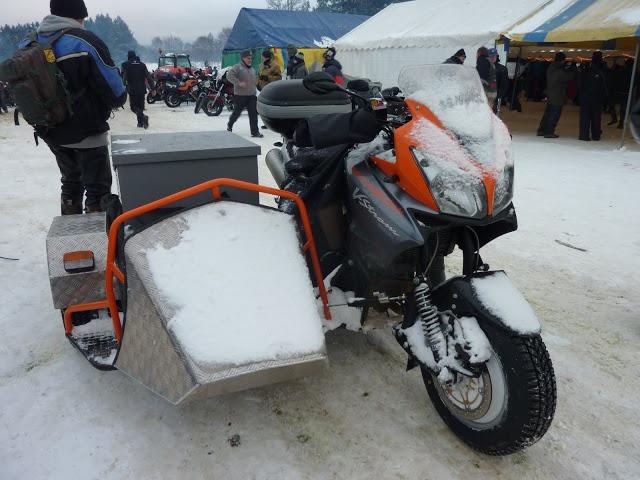 moto dans la neige - Page 2 882785millevaches2012077