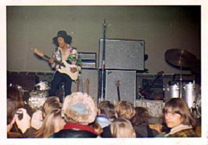 San Francisco (Winterland) : 2 février 1968 [Premier concert]  883285Filmorefevrier1968