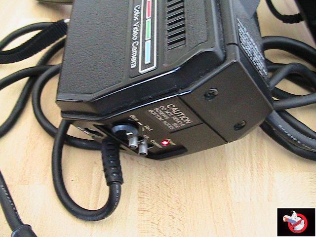Caméra Panasonic PK-750 et VCR Portable NV-8410 89030513