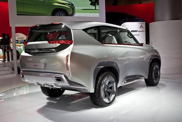 Salon de Genève 2014 : Mitsubishi Concept XR-PHEV 893311MitsubishiGCPHEVConcept5