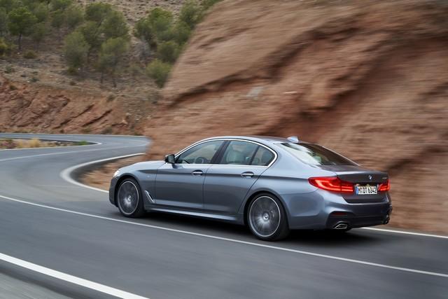 La nouvelle BMW Série 5 Berline. Plus légère, plus dynamique, plus sobre et entièrement interconnectée 894143P90237241highResthenewbmw5series