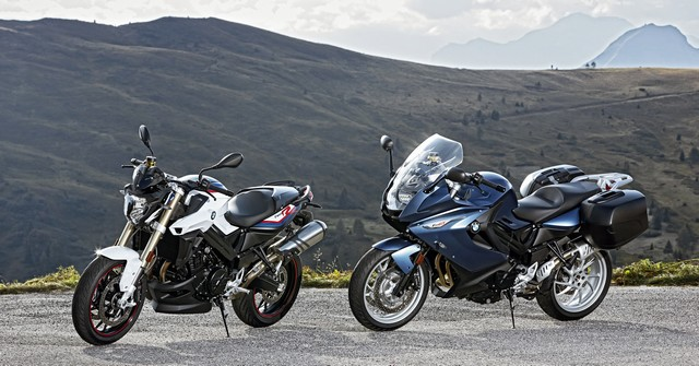 BMW Motorrad revoit la F 800 R et la F 800 GT. Plaisir du pilotage sportif et grand tourisme dynamique sous une forme affûtée 898839P90241426highResbmwf800randbmw
