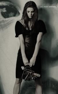 Ashley Greene avatars 200x320 pixels 900630ashleycolo