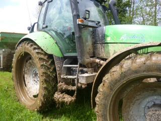 Concours du tracteur le plus cradingue - Page 3 902017P1010241