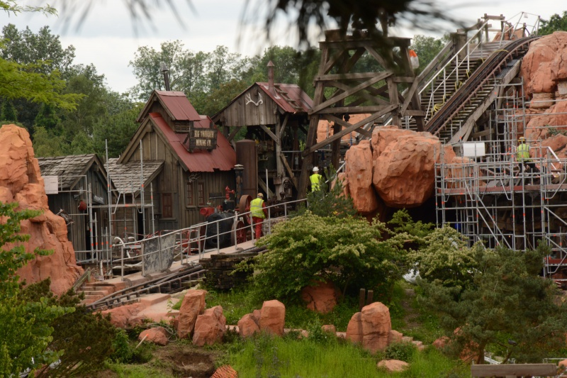 Big Thunder Mountain - Réhabilitation [Frontierland - 2015-2016] - Page 37 905703Disney220616022