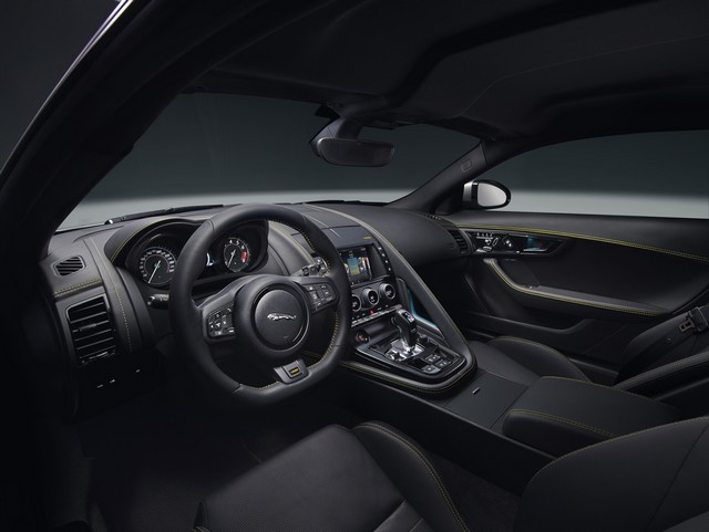 Lancement De La Nouvelle Jaguar F-TYPE Dotée De La Technologie GOPRO En Première Mondiale 906713jaguarftype18my400sstudiointerior10011701