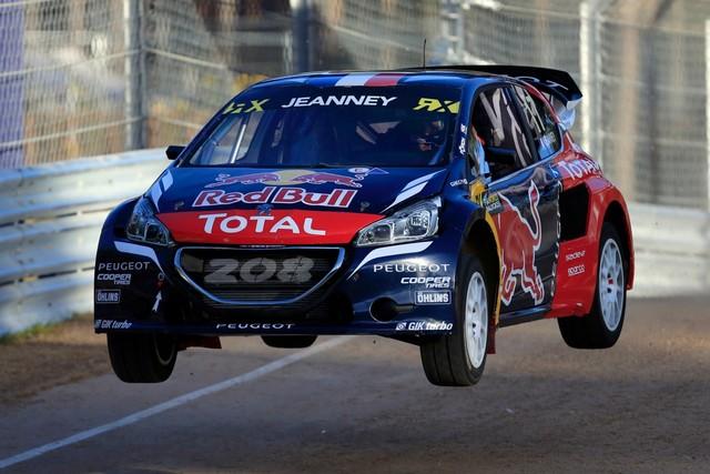 Rallycross - Sébastien Loeb remporte sa première victoire au volant de la PEUGEOT 208 WRX ! 907421wrx201610010056