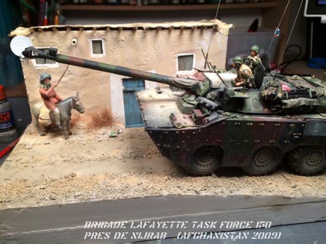AMX 10 RCR SEPAR maquette Tiger Model 1/35 - Page 4 908002IMG4160