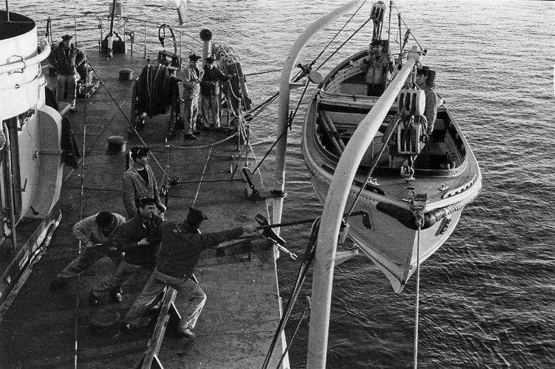 Patrouilleur PAON état 1942 au 1/100  - Page 9 909213marinenationale1963
