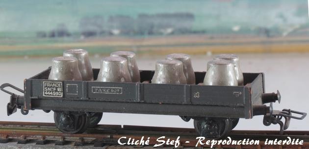 Wagons plats 2 ess maquette et semi maquette chargés par ordre alphabetique 910752VBplatessieuxmaquettegrisftsdacideIMG4414R