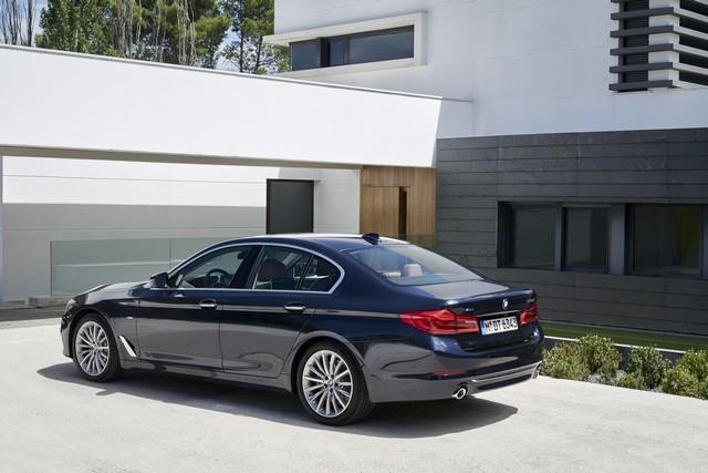 La nouvelle BMW Série 5 Berline. Plus légère, plus dynamique, plus sobre et entièrement interconnectée 910987P90237301highResthenewbmw5series