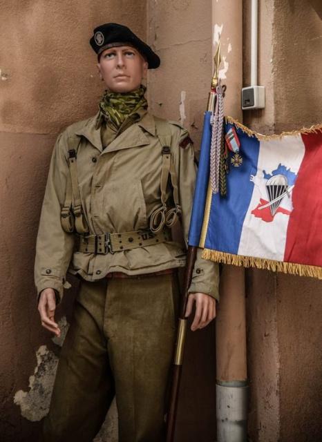Juillet 2014 .Portes ouvertes au C.N.E.C , Collioure 50 ans de la création du C.N.E.C 911191MannequinChoc