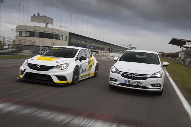 Tout est en place pour la seconde saison de l'Opel Astra TCR 912050OpelAstraTCR299189