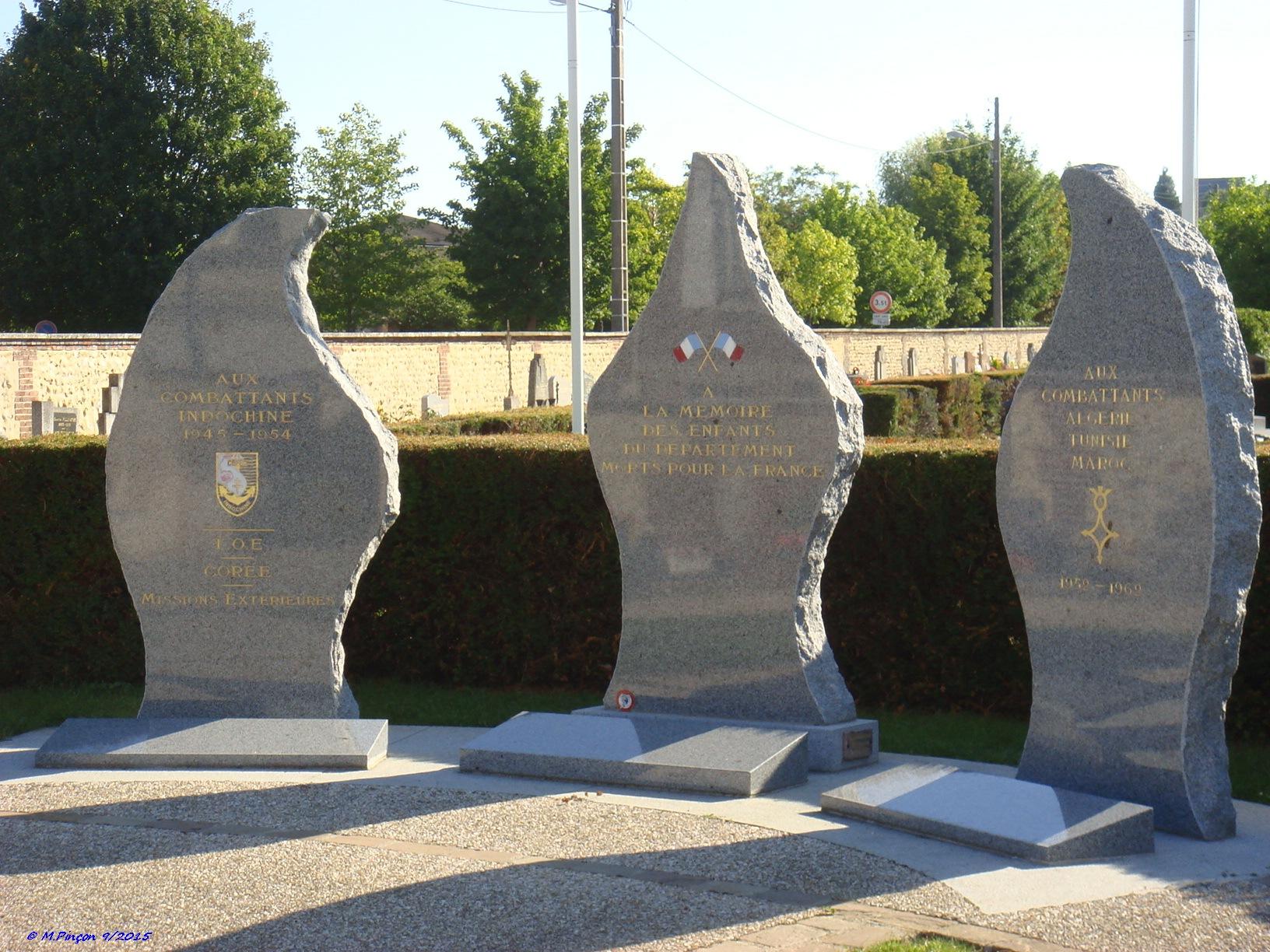 [Histoires et Histoire] Monuments aux morts originaux Français Tome 1 - Page 20 912242DSC09363