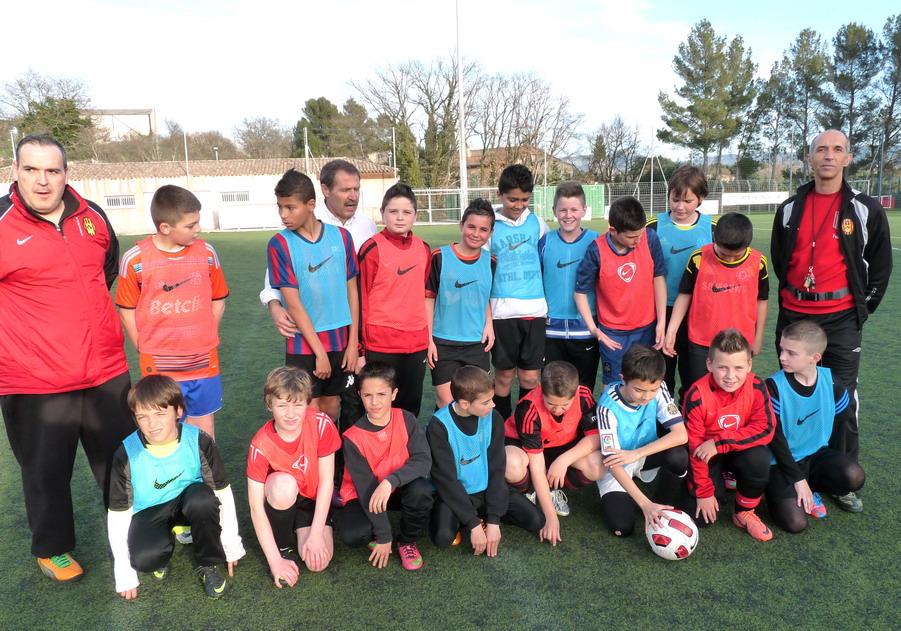 """LA SAINTE VICTOIRE DONNERA AU FC ROUSSET FOOT UN AVENIR """"SACREMENT """" GLORIEUX ! - Page 3 913101P1310431"""
