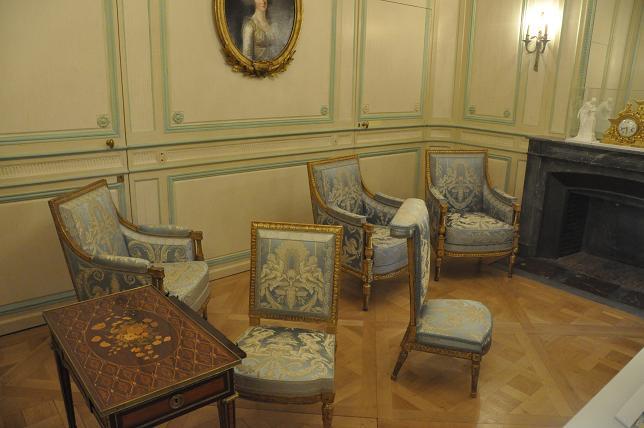 Exposition Mme Elisabeth à Montreuil - Page 3 91359469765720130521200532DSC0049
