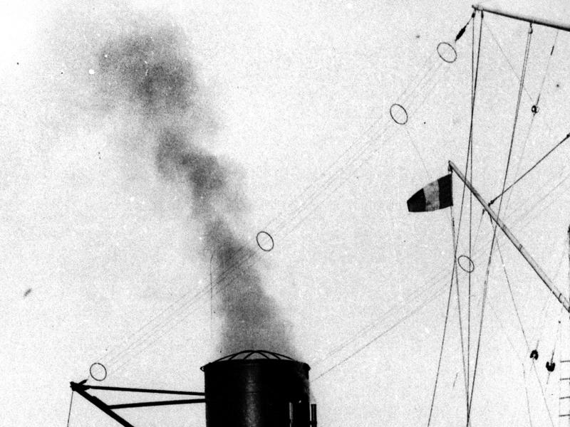 Patrouilleur Paon - 1942 (scratch navigant 1/100°) de steph13  - Page 10 914342Paonantennes2