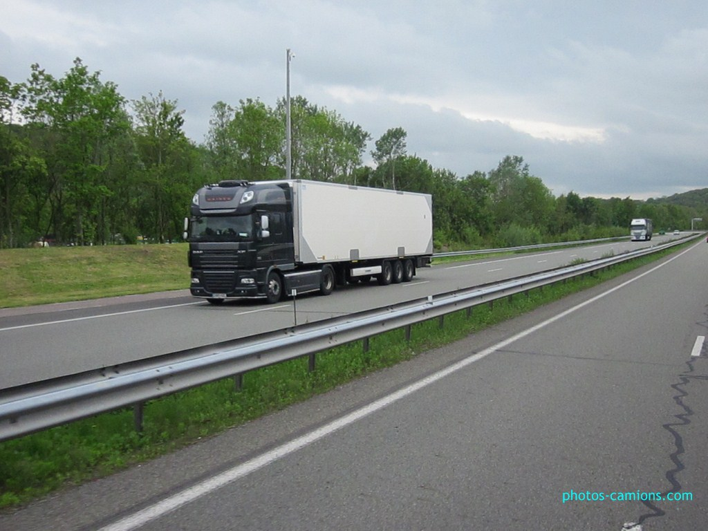 DAF XF (euro 5 )  - Page 3 916603photoscamions18Mai233Copier