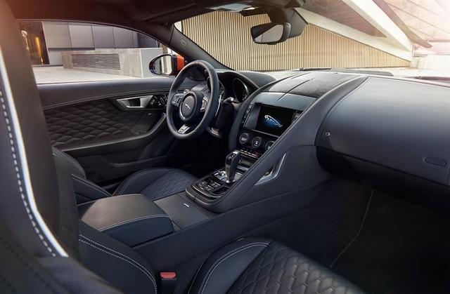 Nouvelle Jaguar F-TYPE SVR : La Supercar Capable D'atteindre 322 km/h Par Tous Les Temps 918828JAGUARFTYPESVR16COUPEInteriorLowRes