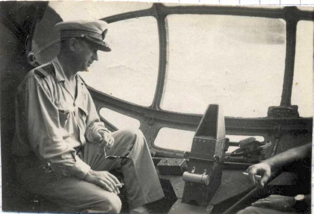 [ Aéronavale divers ] [ 1945-1950 L'histoire des grands oiseaux blancs à tête de loup noir en Indochine 9207001948Personnel8F2