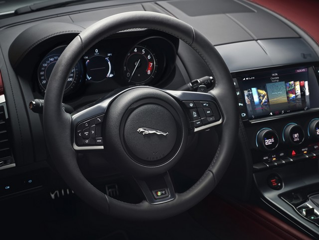 Lancement De La Nouvelle Jaguar F-TYPE Dotée De La Technologie GOPRO En Première Mondiale 920748jaguarftype18myrcoupestudiointeriordetail10011701
