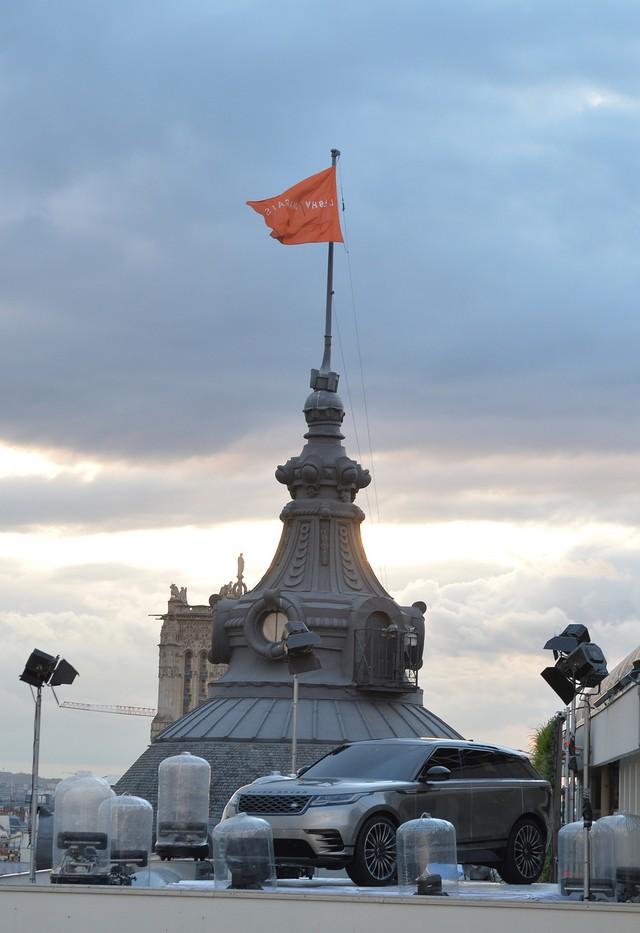 Le Range Rover Velar s'est dévoilé sur les toits de Paris 924734corpo0058