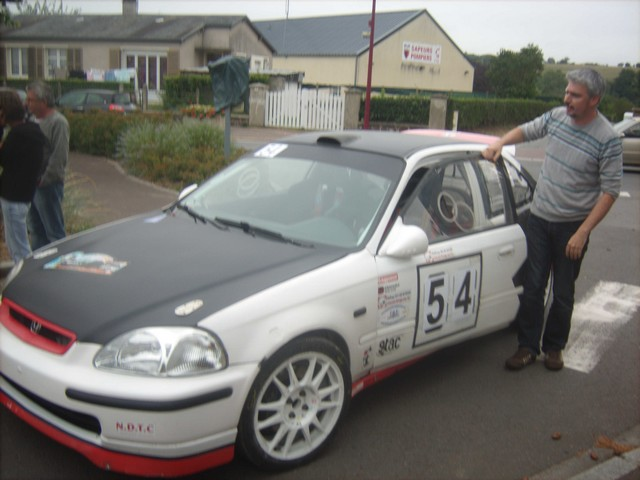 31è Rallye Tessy sur Vire Gouvets 2012 (vérifications techniques)  925126Sep01804