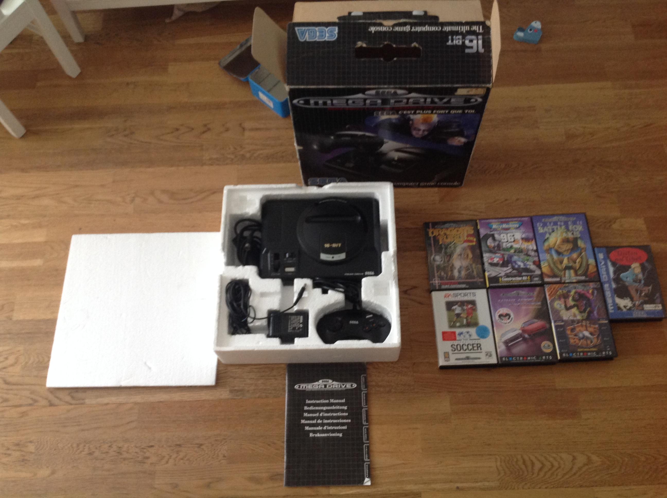 [Vds]Lot MD(console en boite complete et jeux) 925743IMG2323