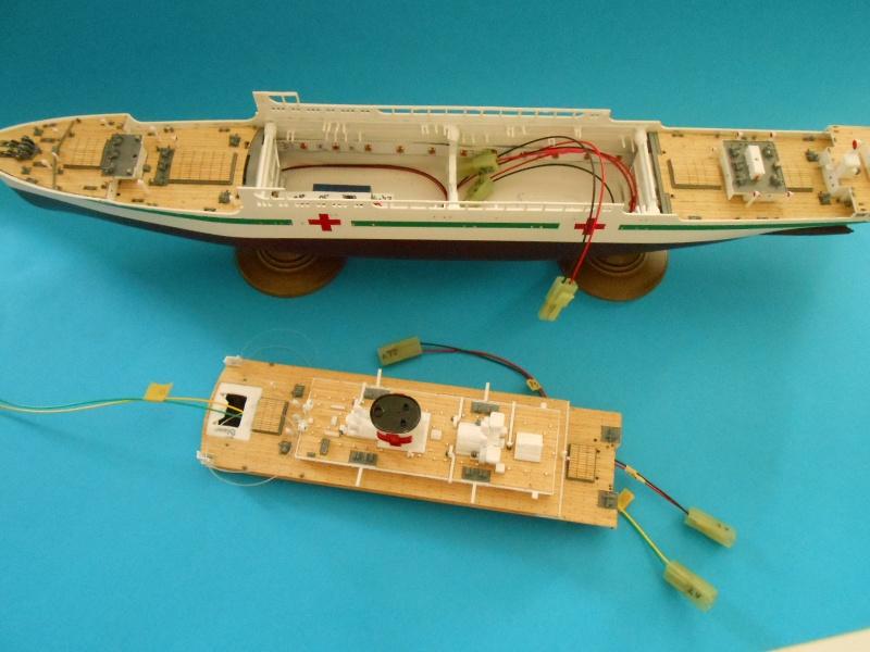 Hikawa Maru hopital 1/350 PE/pont en bois et babioles  - Page 6 933041DSCN5862