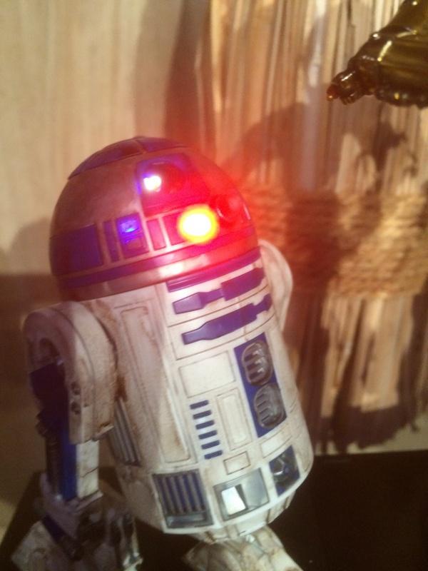 R2-D2 et C3-PO (et R5-D4) 933057IMG0255